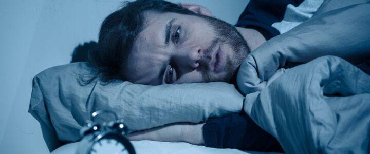 Kelelahan Sehingga Sulit Tidur ? Ini Alsannya